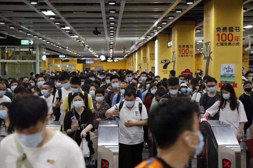 今年清明假期广州地铁运客2451万人次